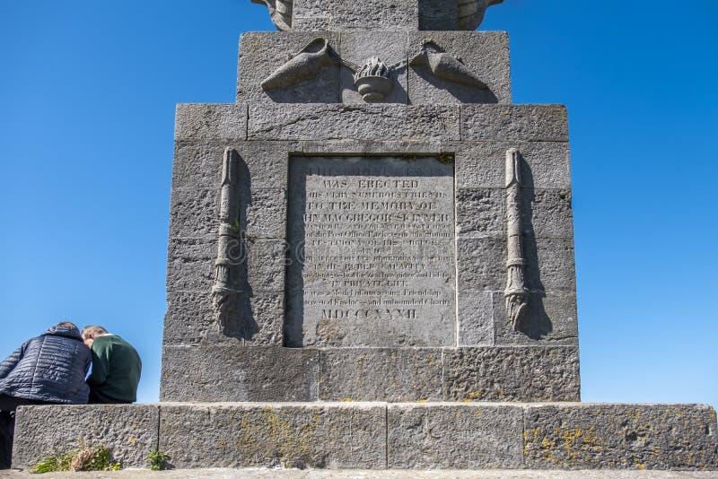 Holyhead, Gales - 30 de abril de 2018: O capitão Skinner Monument é um memorial a um caráter de Holyhead chamou o capitão John foto de stock royalty free