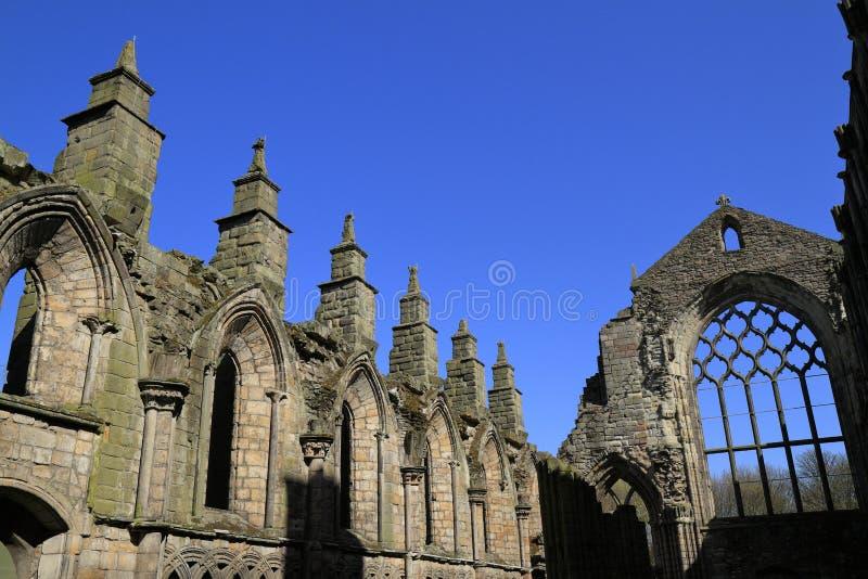 Holyroodpaleis in Edinburgh, Schotland stock afbeeldingen