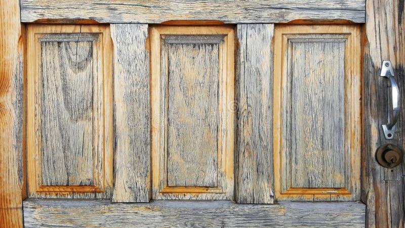 badezimmertüren aus holz