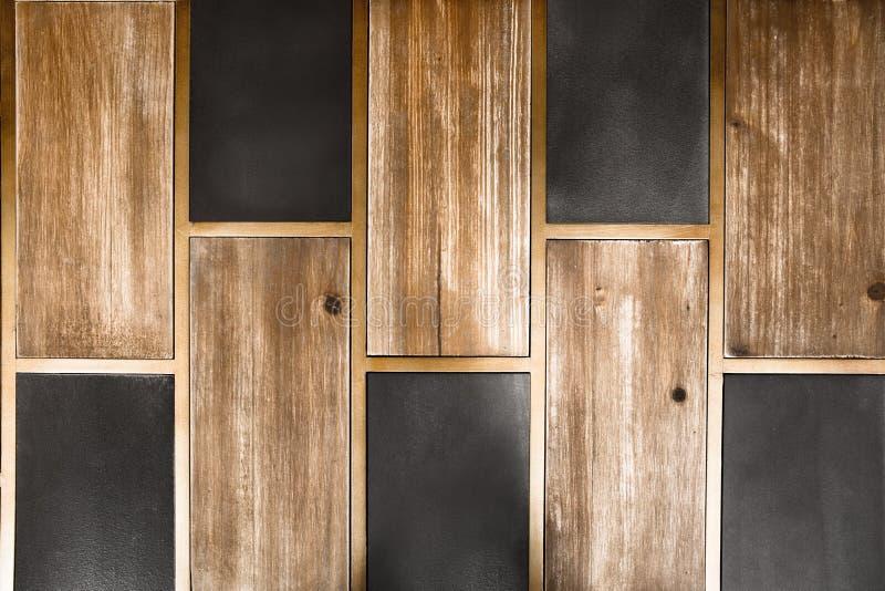 Holz und Fliese lizenzfreie stockfotografie