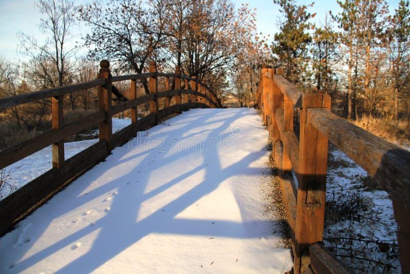 Holzbrücke stockfoto