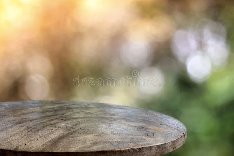 Holzfußboden und bokeh Hintergrund lizenzfreie stockfotografie
