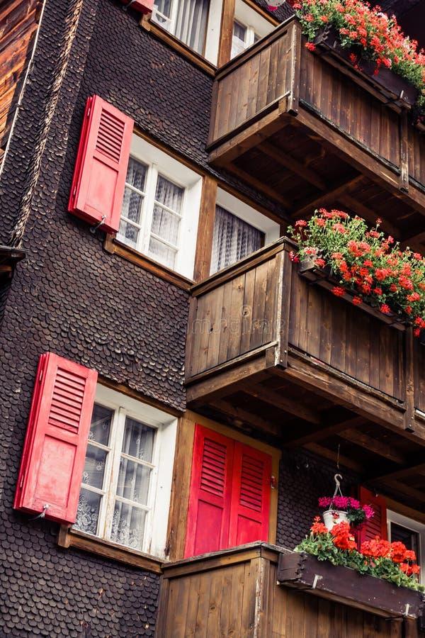 Holzhäuser in Fiesch - der Schweiz stockfoto