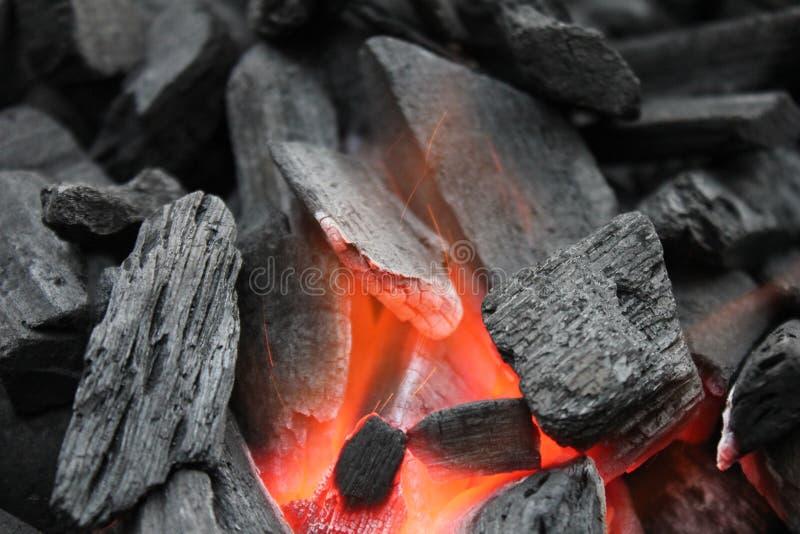 Holzkohle zu grillen lizenzfreies stockfoto