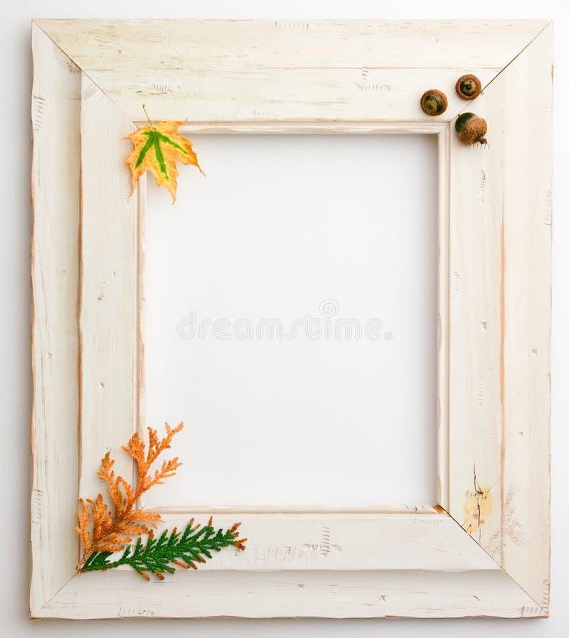 Holzrahmen Autumn Falls stockbilder