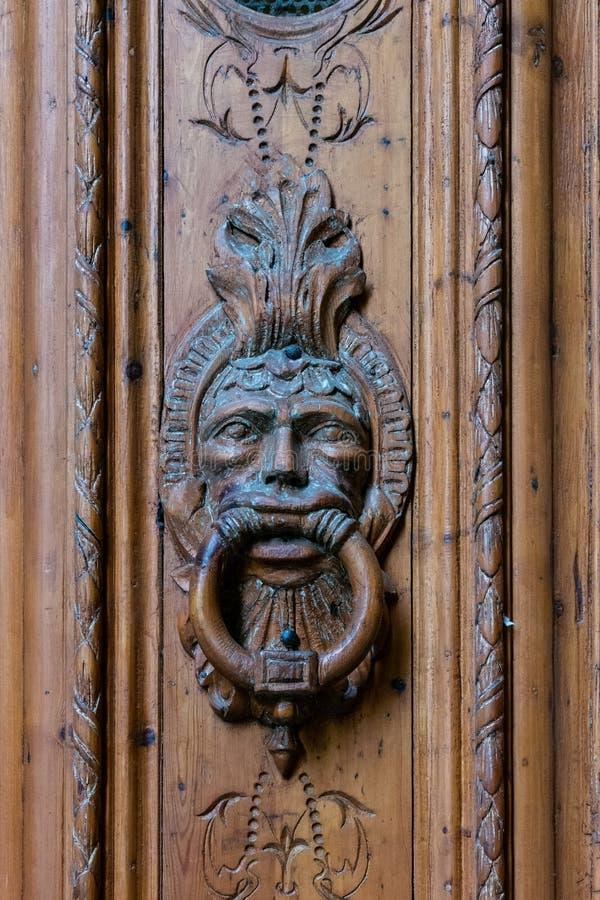 Holztürklopfer Barri Gotic Barcelona lizenzfreies stockbild