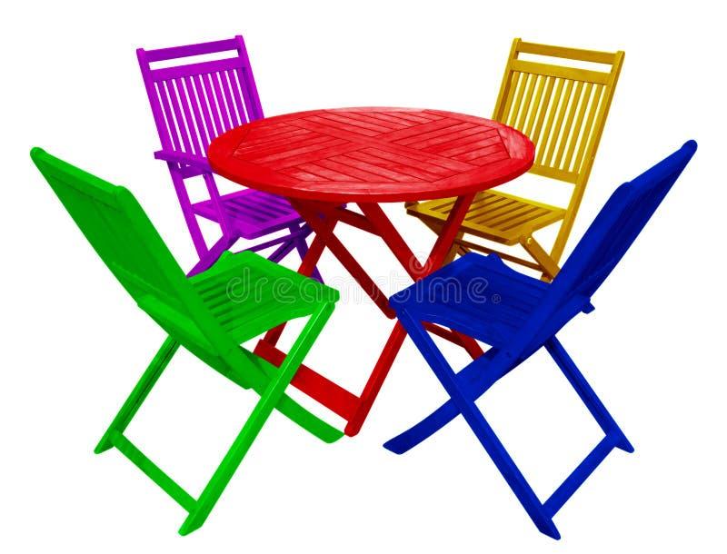 Holztisch Und Stühle - Bunt Stockfoto - Bild von fest, klein: 93313816