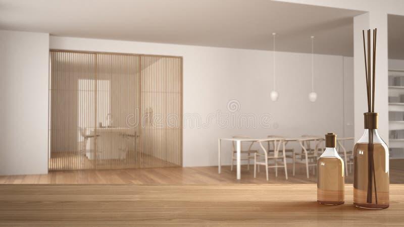 Holztischspitze oder -regal mit aromatischen Stockflaschen über unscharfem unbedeutendem weißem und hölzernem Wohnzimmer mit Spei lizenzfreie abbildung