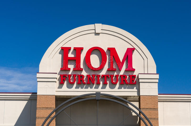 Hom Furniture Exterior and Logo. ST. PAUL, MN/USA - MAY 7, 2017: Hom Furniture exterior and logo. Hom Furniture is a home furnishing company in the United States stock images