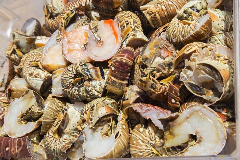 Homards découpés en tranches pour la Paella fourniture photos libres de droits
