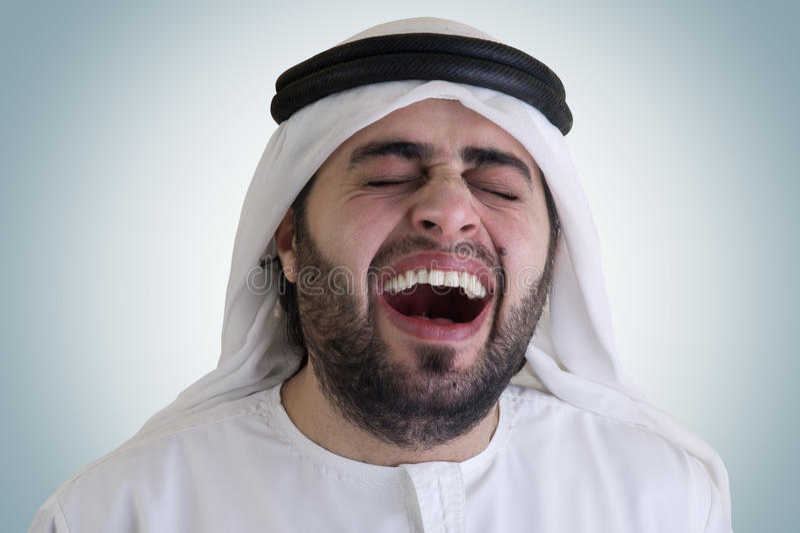 Hombre árabe que ríe - camino de recortes incluido imágenes de archivo libres de regalías