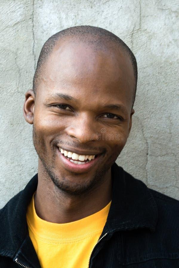 Hombre africano joven imagen de archivo libre de regalías