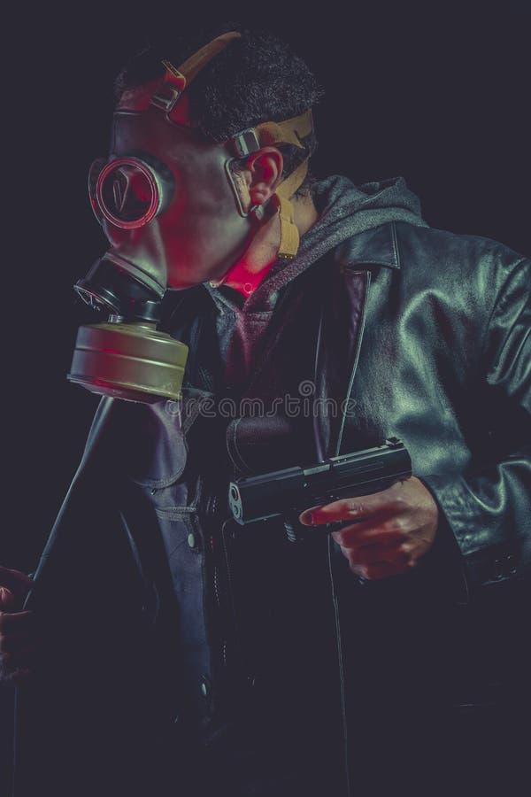 Download Hombre Armado Con La Careta Antigás Y El Arma Imagen de archivo - Imagen de aiming, privado: 44853307