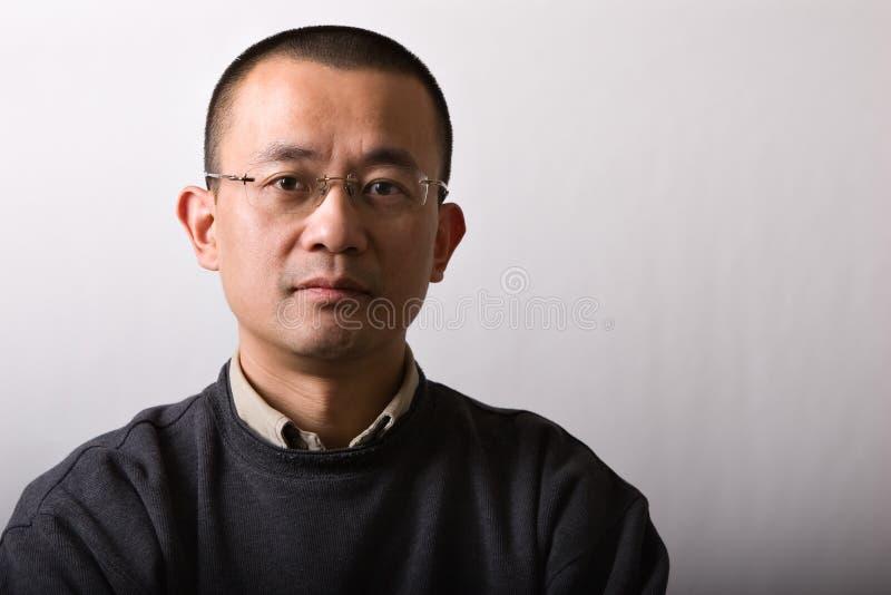 Hombre asiático del mediados de-adulto del retrato fotos de archivo