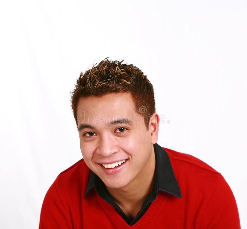 Hombre asiático en suéter rojo fotos de archivo libres de regalías