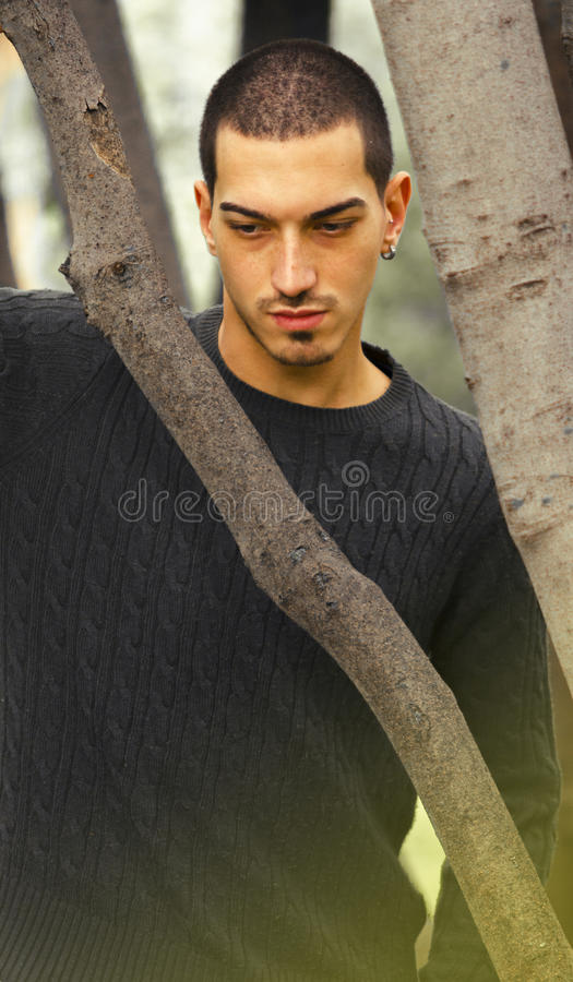 Hombre atractivo italiano imagenes de archivo