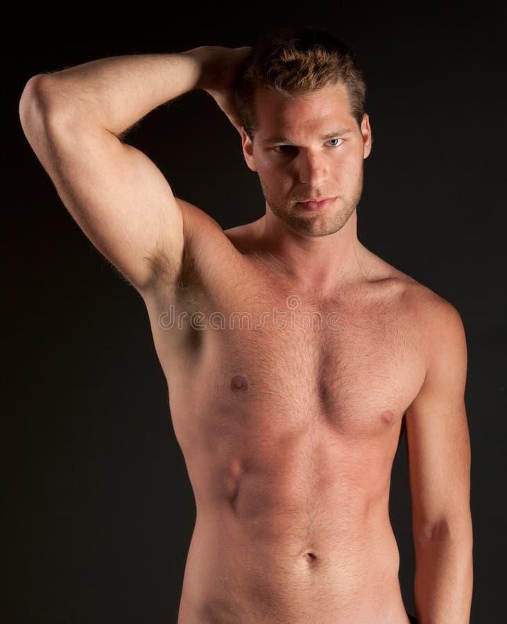 Hombre atractivo, muscular imágenes de archivo libres de regalías