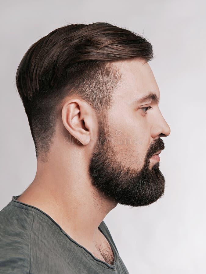 Hombre barbudo brutal hermoso imágenes de archivo libres de regalías