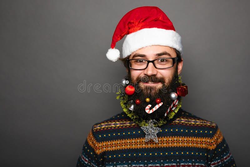 Hombre barbudo con el bigote y la barba adornada imágenes de archivo libres de regalías