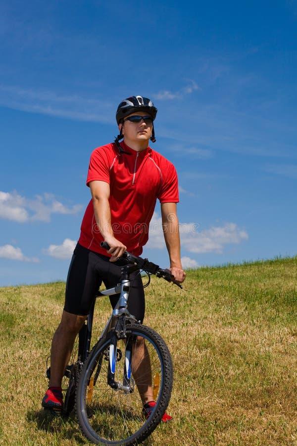 Hombre Biking 1 imagen de archivo libre de regalías
