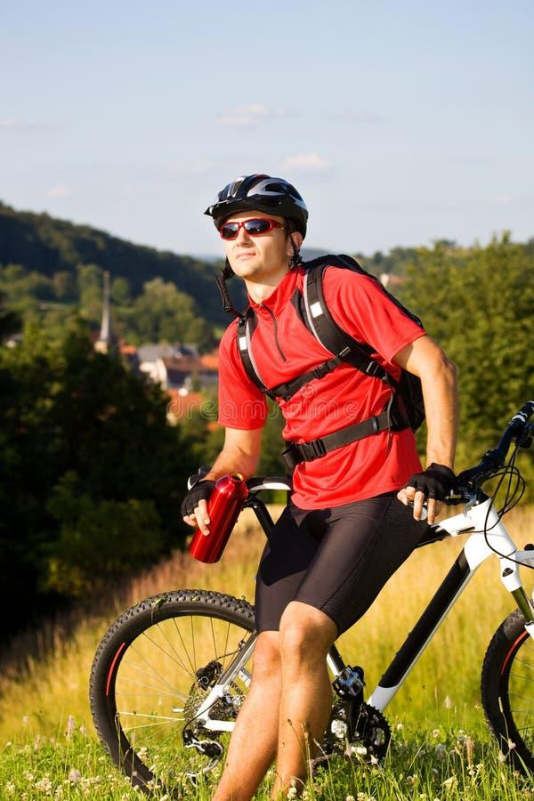 Hombre Biking imagen de archivo