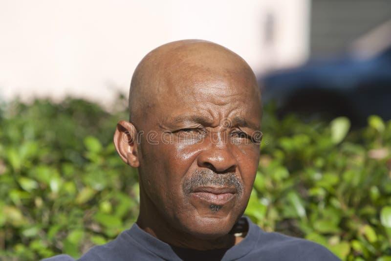 Hombre calvo del afroamericano imagen de archivo libre de regalías