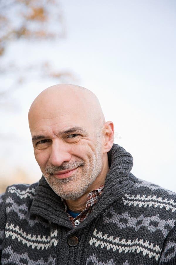 Hombre calvo sonriente foto de archivo libre de regalías