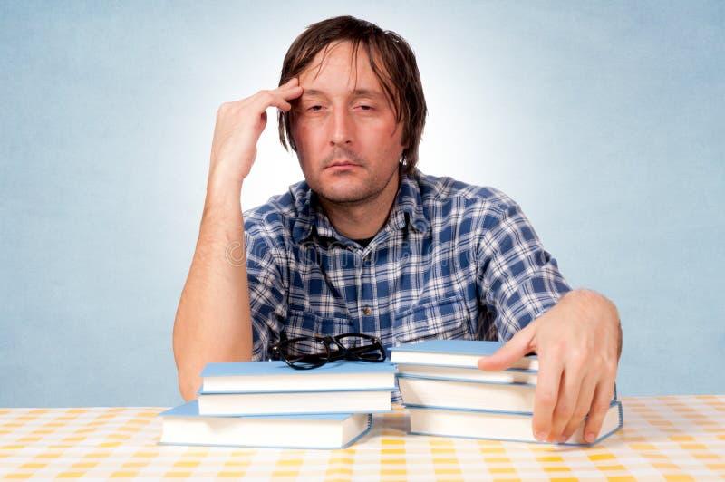Hombre cansado foto de archivo libre de regalías