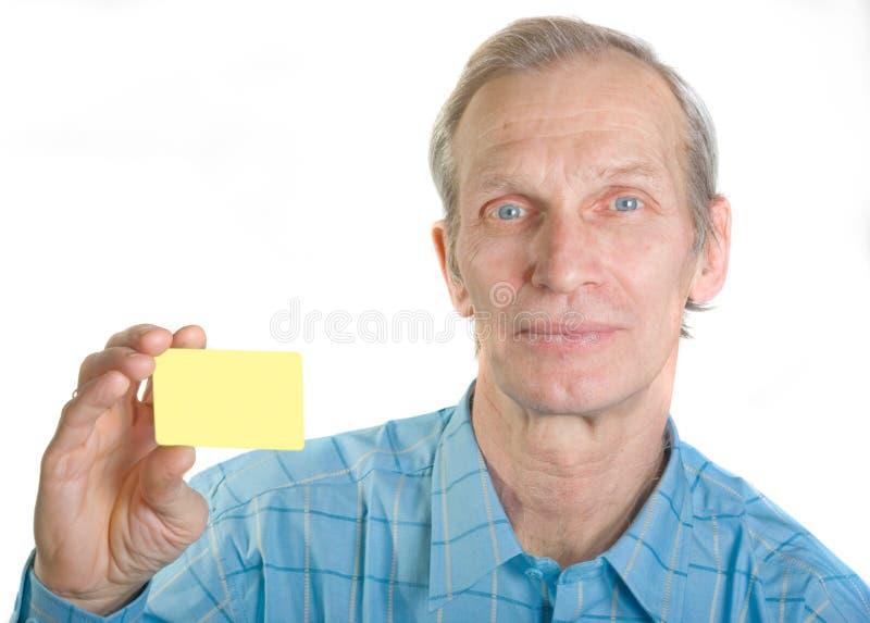 Hombre con de la tarjeta de crédito fotos de archivo libres de regalías