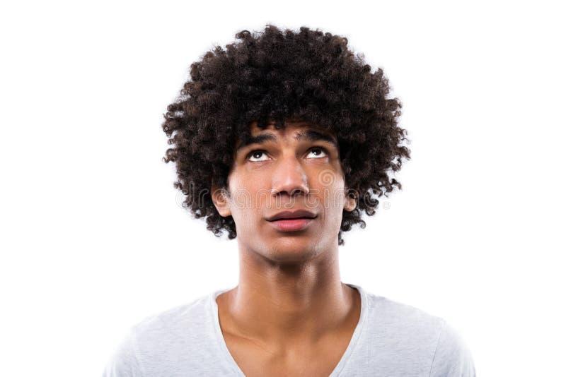 Cabello afro en hombres