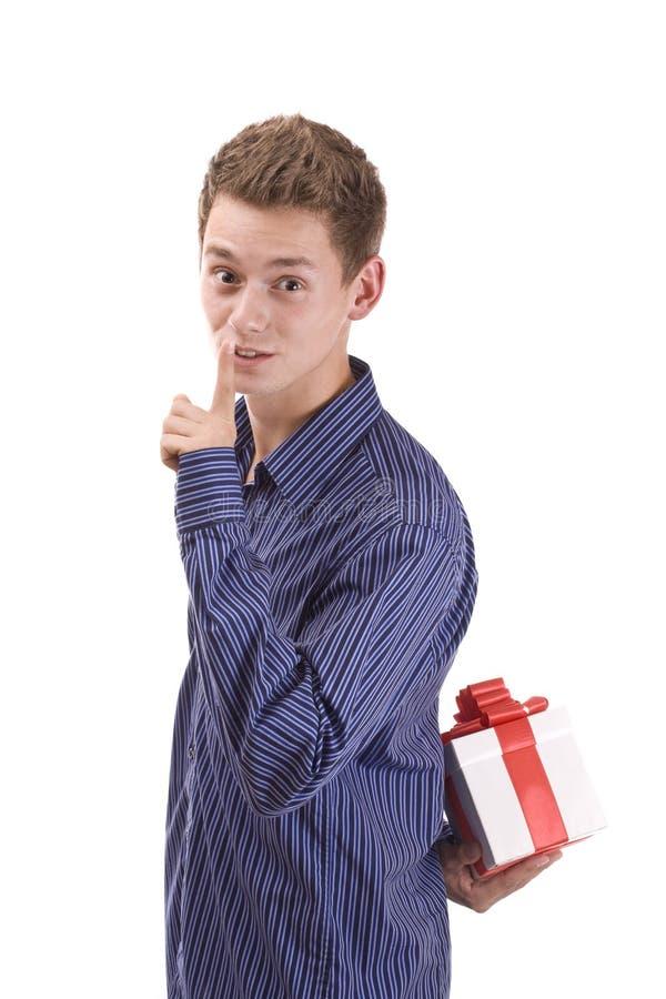 Hombre con el regalo fotografía de archivo libre de regalías