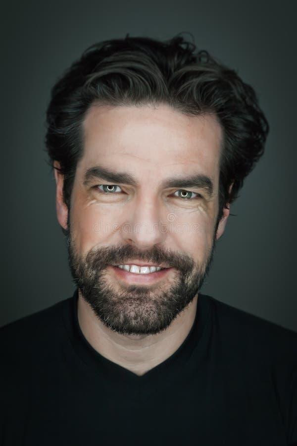 Hombre con la barba fotografía de archivo