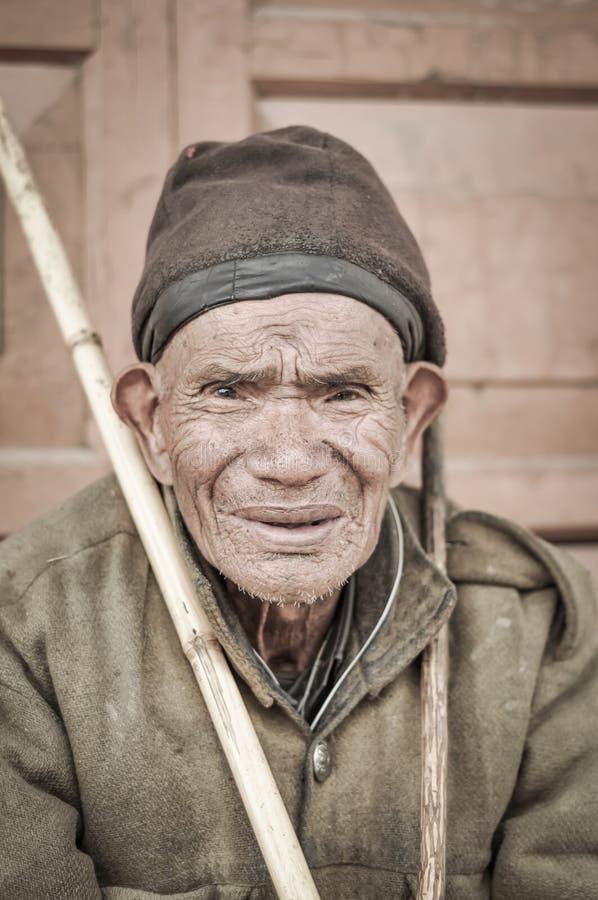 Hombre con la cara bronceada en Arunachal Pradesh fotografía de archivo libre de regalías