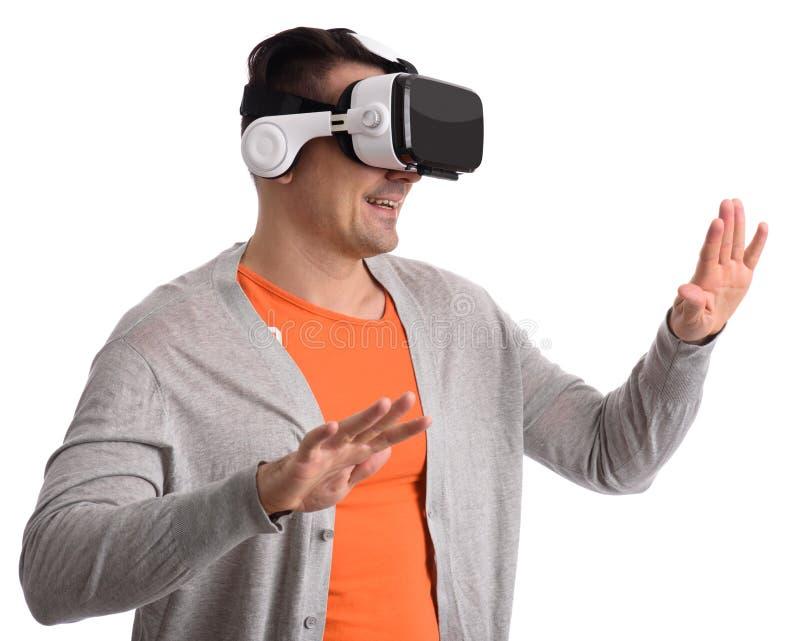 Hombre con las auriculares de la realidad virtual o los vidrios 3d fotos de archivo