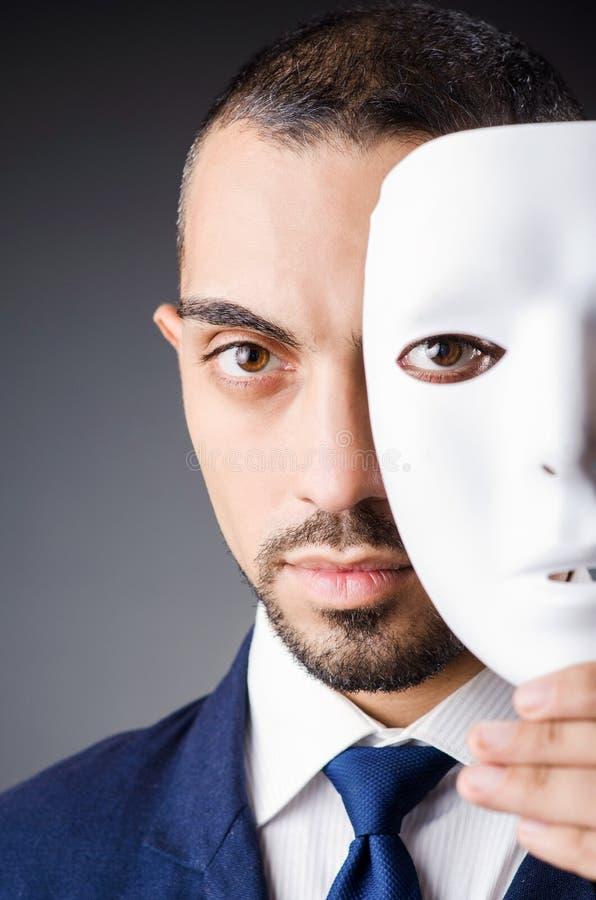 Hombre con las máscaras imágenes de archivo libres de regalías