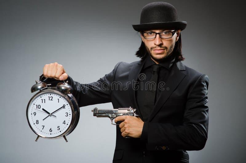 Hombre con llevar del reloj fotos de archivo libres de regalías