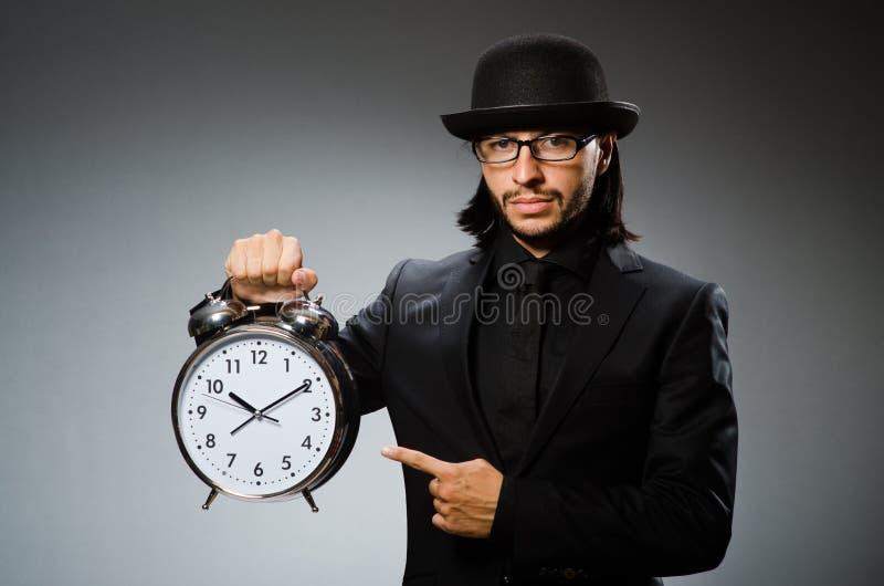Hombre con llevar del reloj imágenes de archivo libres de regalías