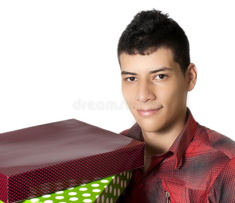 Hombre con los regalos imágenes de archivo libres de regalías