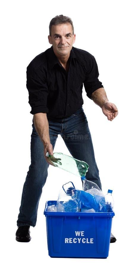 Hombre con un rectángulo de reciclaje fotos de archivo