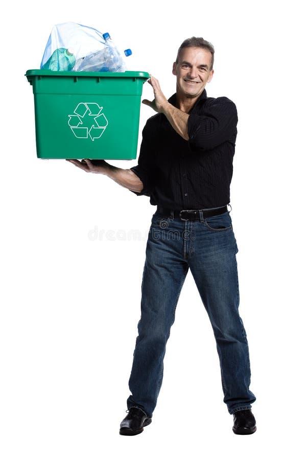 Hombre con un rectángulo de reciclaje foto de archivo