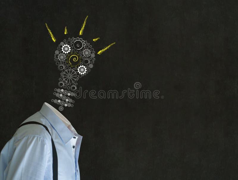 Hombre de idea brillante con la cabeza de la bombilla de la tiza fotografía de archivo libre de regalías