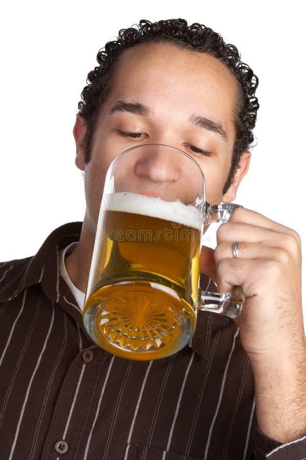Hombre de la cerveza foto de archivo