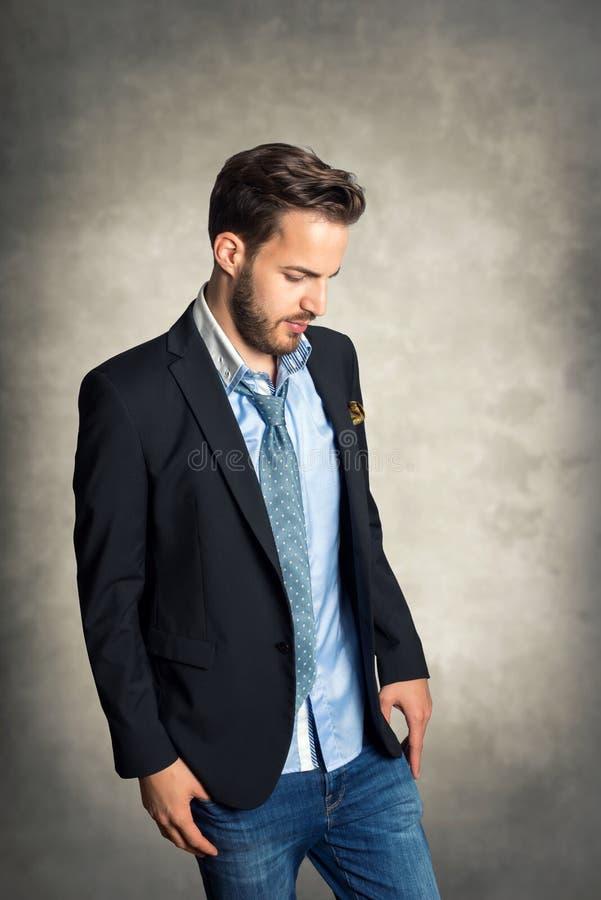Hombre de moda joven fotografía de archivo