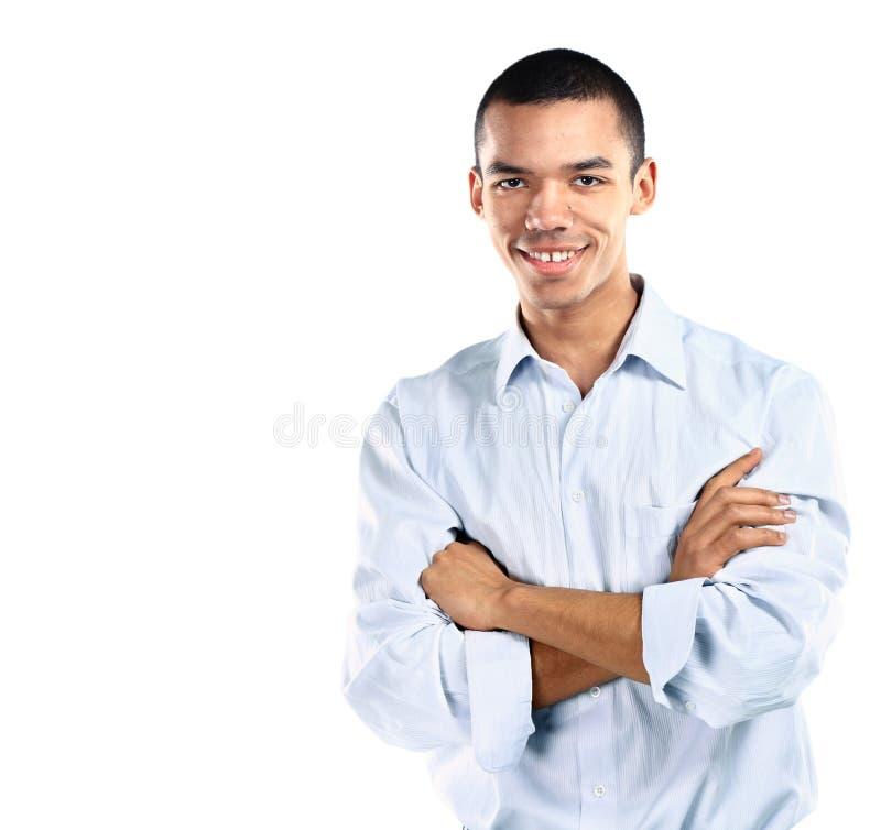 Hombre de negocios africano amistoso y sonriente que mira la cámara con confiabilidad imágenes de archivo libres de regalías