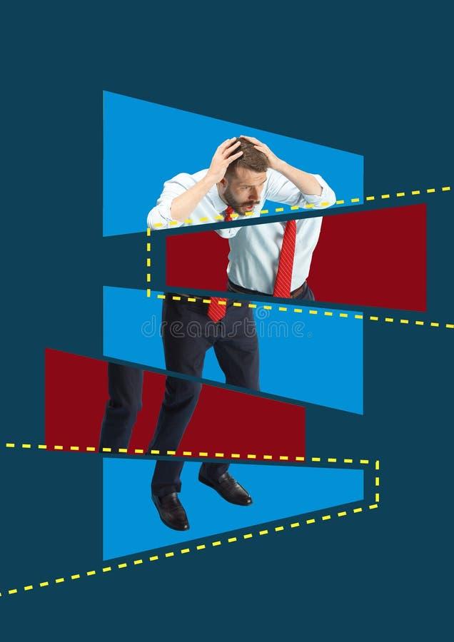 Hombre de negocios asustado y chocado bajo presión del jefe libre illustration