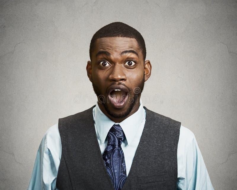Hombre de negocios chocado, sorprendido imagenes de archivo