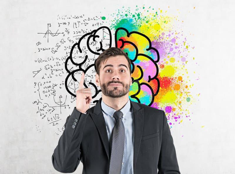 Hombre de negocios con la idea brillante, bosquejo del cerebro ilustración del vector