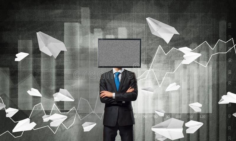 Hombre de negocios con la TV en vez de la cabeza stock de ilustración