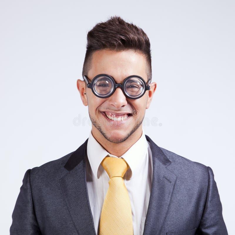 Hombre de negocios con los vidrios divertidos foto de archivo libre de regalías