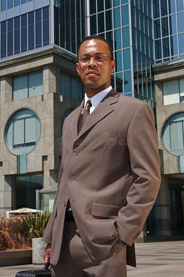 Hombre de negocios confidente joven imágenes de archivo libres de regalías